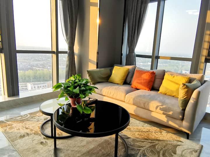 易居现代风尚loft(高速北出入口/北区希尔顿新纪元生活广场公寓/邻瘦西湖)