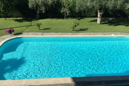 Centrally located villa -large pool - Kamena Vourla