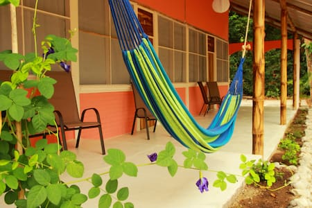 Beachpacker Manuel Antonio - Private Double Room - Quepos  - Hostel
