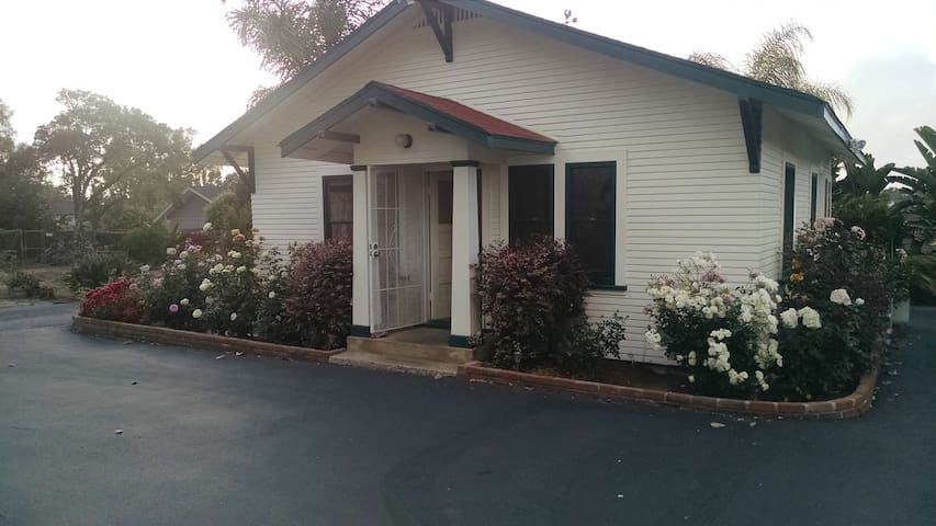 THE COTTAGE 1930's Beauty+Privacy San Diego - Chula Vista