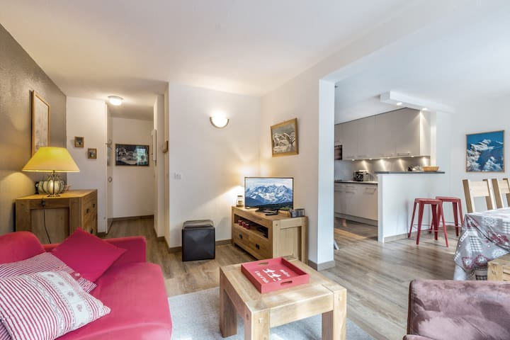 Good standing apartment, renovated, with parking and a South facing balcony