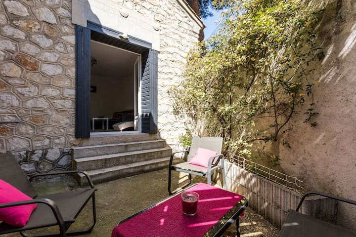 Two roomed flat with terrace - Air Rental