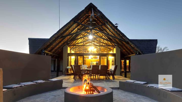 MolloThaba Family Lodge for 10