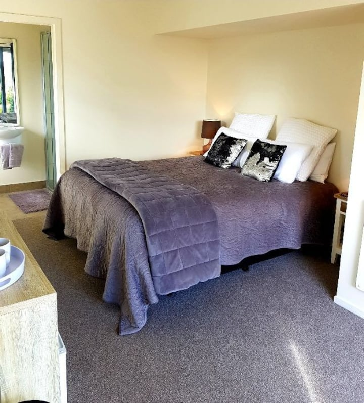 The Roost B&B Executive Suite close to Waiuku Town
