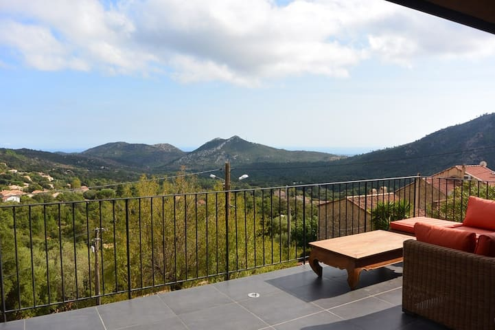 IN CASERNA, SEA AND MOUNTAIN VIEW, CONCA