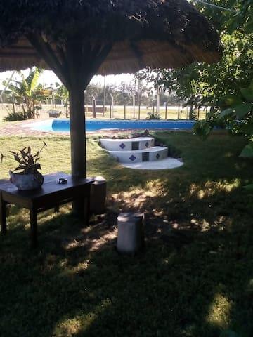 Chacra Restaurante Estilo campo Juanico