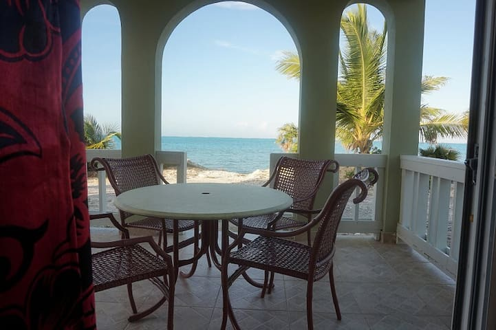 PATIO WITH BEACH VIEW