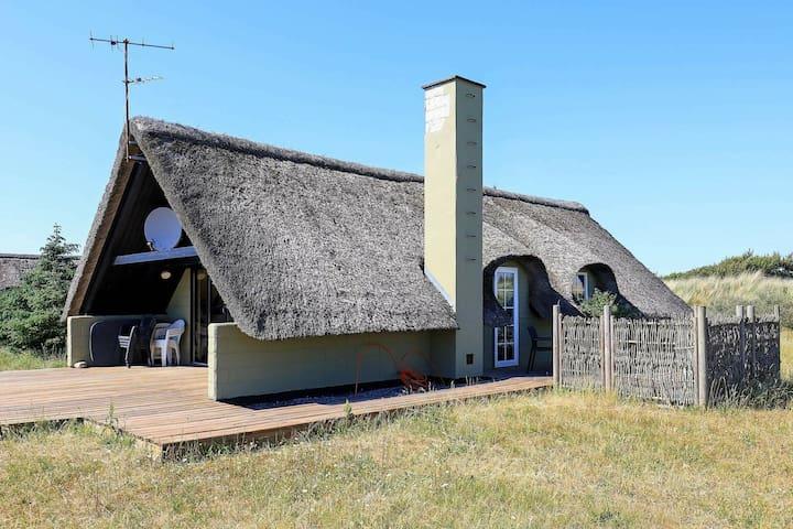 Maison de vacances rustique à Ringkøbing avec sauna