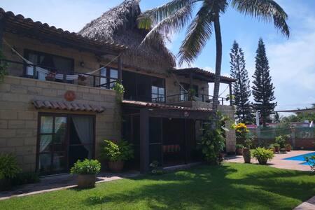 Hermosa Casa con Alberca Renta Completa