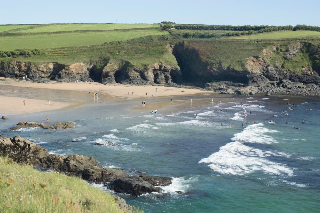 Poldhu cove is great for exploring. It is fantastic for rock pooling and beach combing at low tide.
