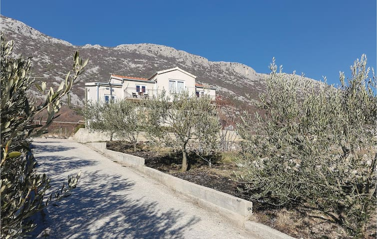 Holiday apartment with 3 bedrooms on 97m² in Gata