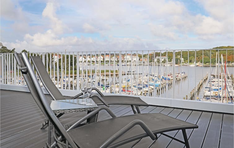 Holiday cottage with 4 bedrooms on 176m² in Travemünde Waterfront