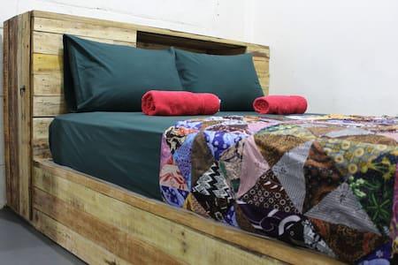 Rumah Kita BnB - Private AC Room - Pulau Dodola