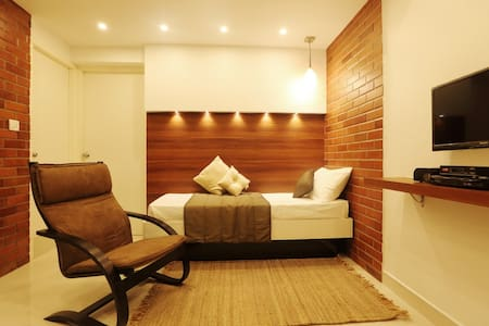 Studio Apt in Heart Of The City-Greams Road_304 - Chennai