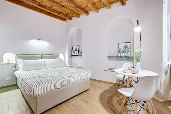 2019 renovated Roma Studio zen in Campo dei fiori
