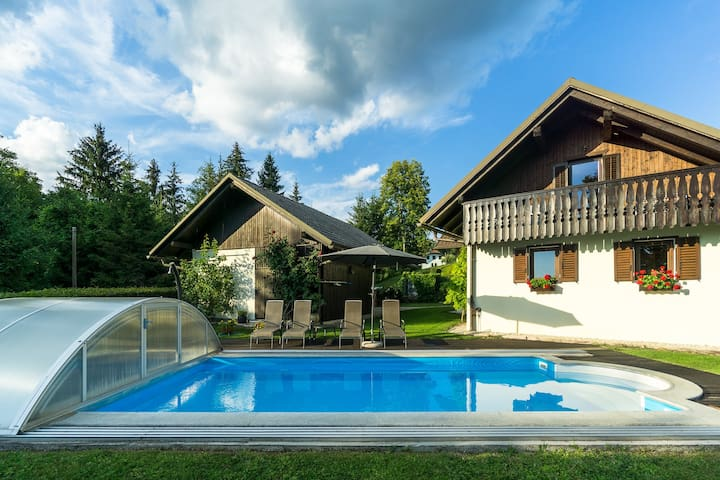 Holiday House with Pool in Nature