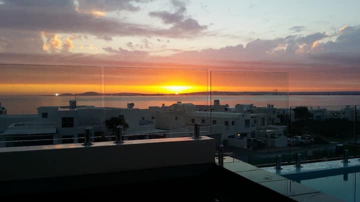 Paradise Sun,  deluxe sea-side apartment, sleeps 6