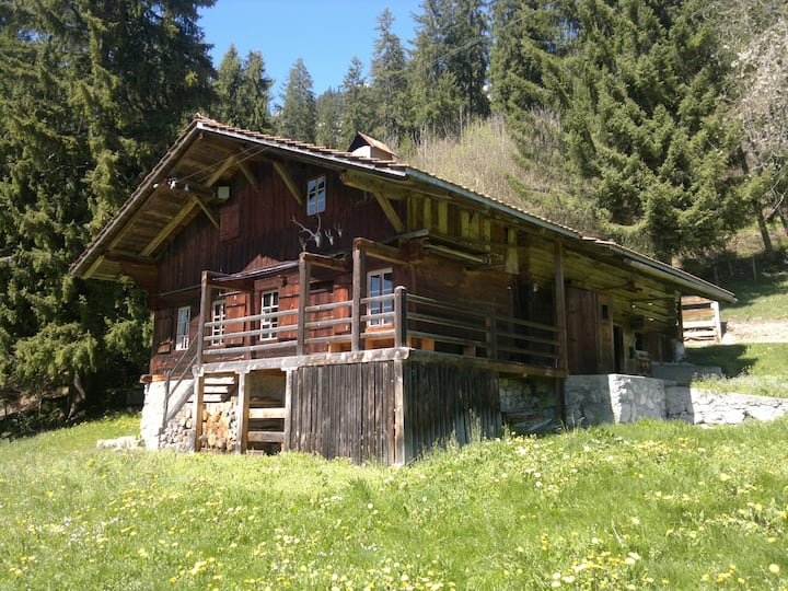 Übernachten im Alphüttli - im Berner Oberland