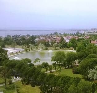 Lovely Apartment with Unique View - Karşıyaka - Wohnung