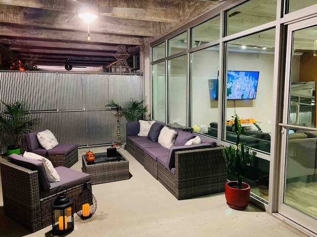 Luxury Loft D-TOWN KC/THE PLAZA/WESTPORT/KU-MED