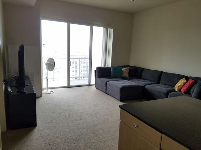 Entire place walking distance to the beach!! - Long Beach - Appartement en résidence