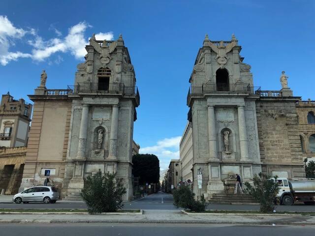 Porta Felice porta ingresso della città a pochi metri da casa nostra
