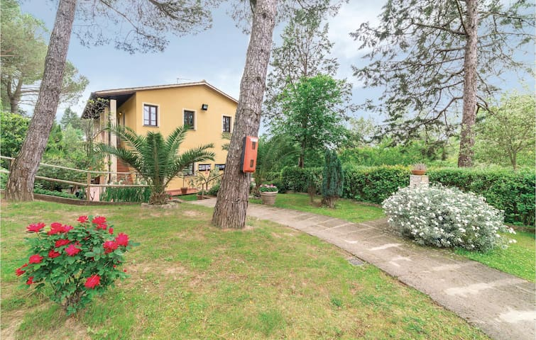 Holiday apartment with 2 bedrooms on 40m² in Montopoli Val d'Arno