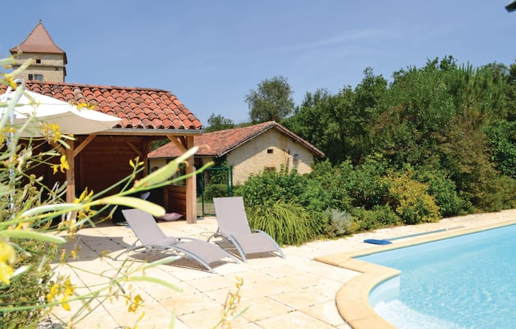 Semi-Detached with 2 bedrooms on 95m² in Pontcirq