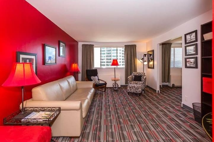 Mid/Downtown, Brilliant Condo