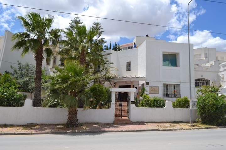 Charming House in Safe Area near Tunis - Ariana