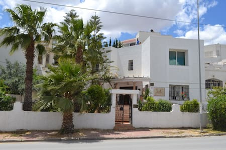 Charming House in Safe Area near Tunis - Ariana - Hus