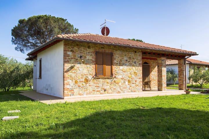 La villetta di Borgo Carraia - คาสติกลิออน เดล ลาโก
