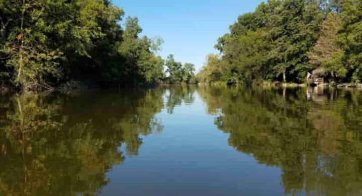 Riverfront Retreat! #2/GR8 Area/Kayaks/Hunt/Fish