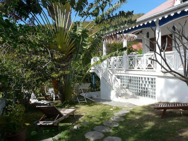 """Studio """"La Cabine du Pêcheur"""" climatisé , jardin."""