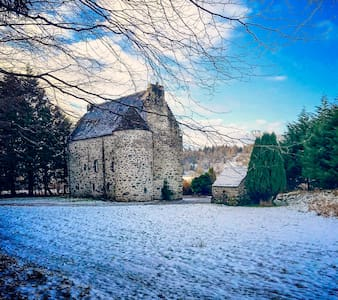 Romantic 16th Century Scottish Castle in The Glen