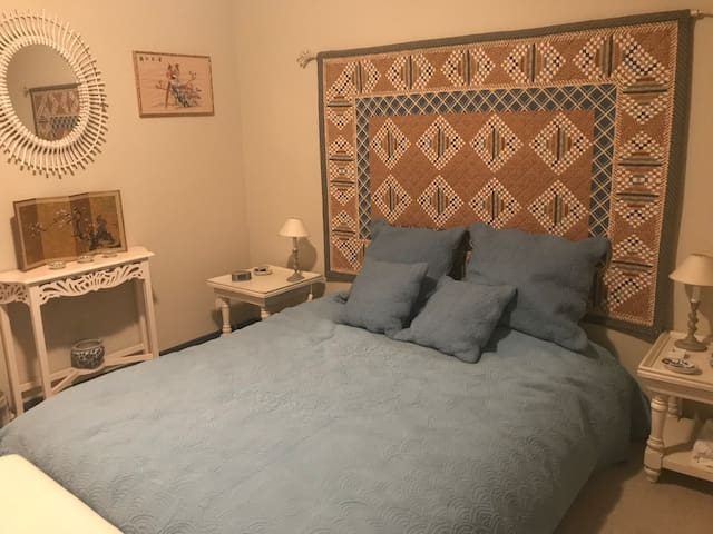 Charming Double Room in Quiet Neighbourhood