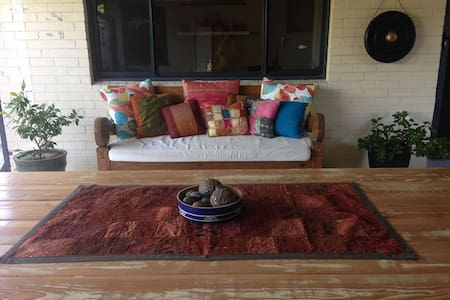 Cosy Haven With Lush Outdoor Living - Morley - 獨棟