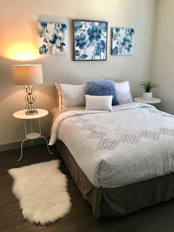 Amazing 1 Bedroom Studio in Midtown!
