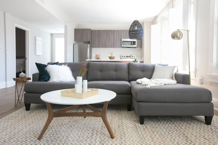 Sonder | The William Penn | Design 1BR