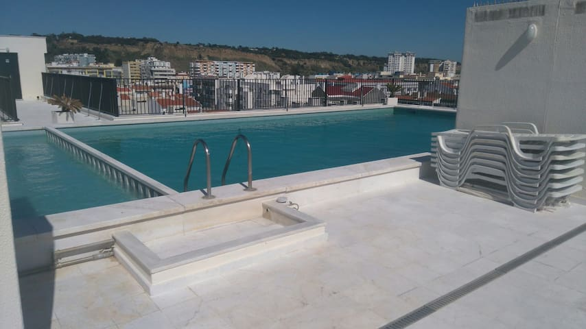 T1 5 Pax Frente a praia com piscina
