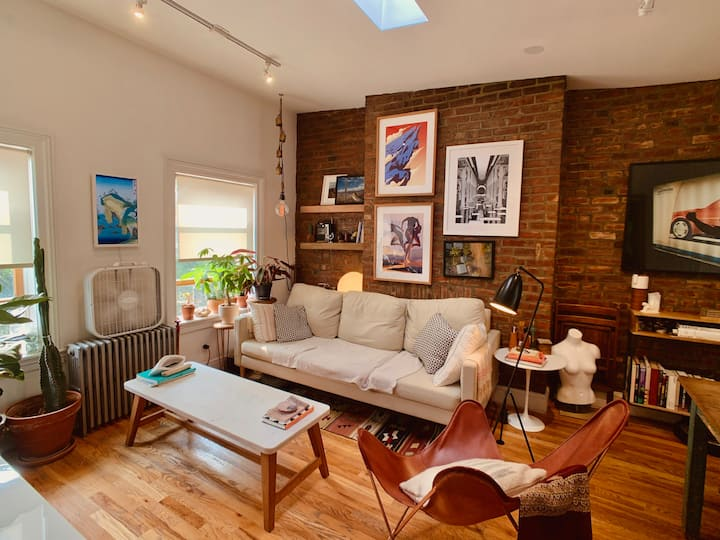 Skylit, 1 bedroom penthouse in prime Williamsburg