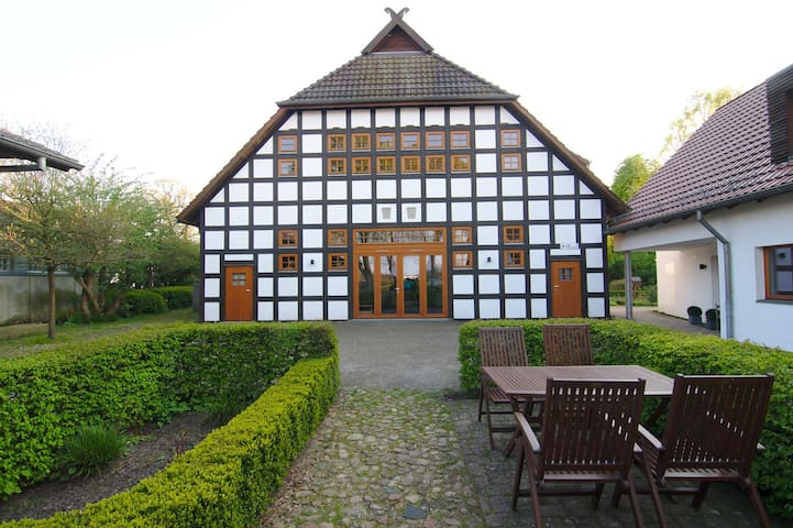 Lovely apt in historical farmhouse! - Bremen - Lägenhet
