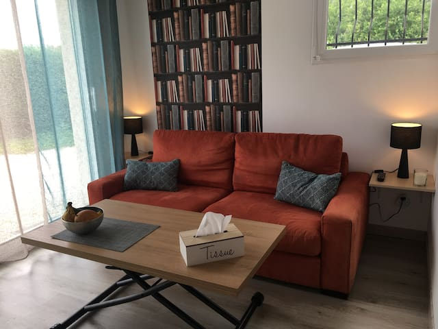 Studio indépendant avec jardin