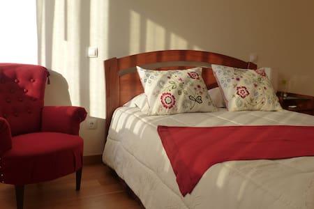 Room in Villa by the Sea near Porto - Gulpilhares