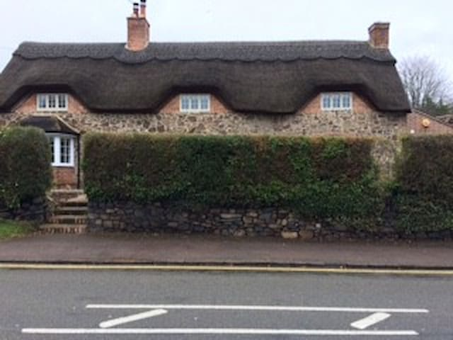 Thatched Roofs. - Newtown Linford
