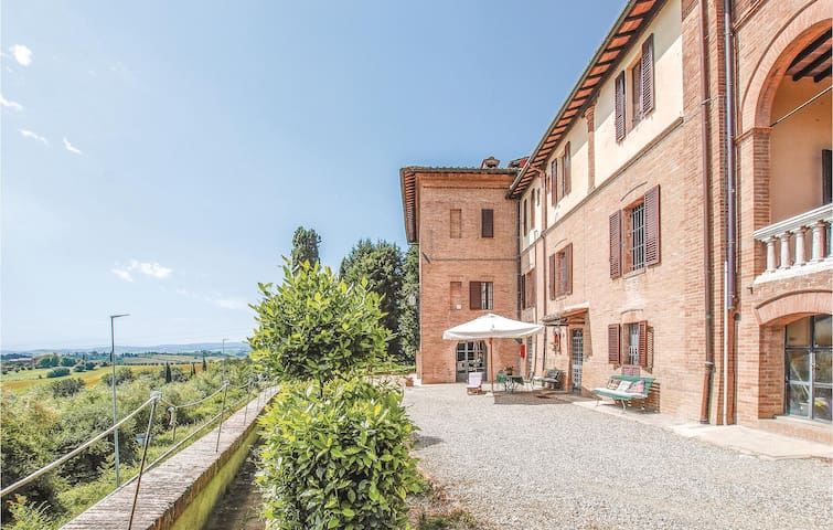 Stunning home in Siena -SI- with WiFi and 1 Bedrooms