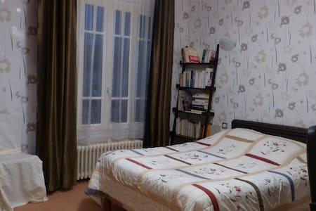 Chambre salle de bain partagée - Maisons-Alfort - ที่พักพร้อมอาหารเช้า