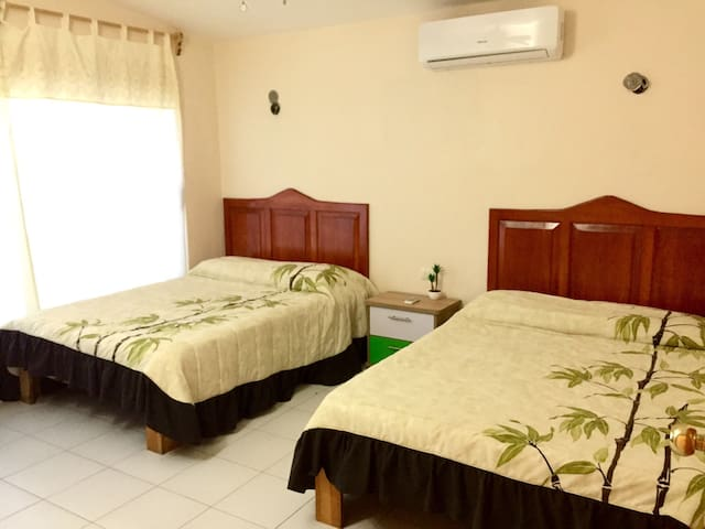 2 full size bed room
