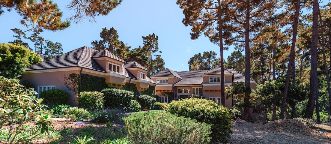Pebble Luxury Estate