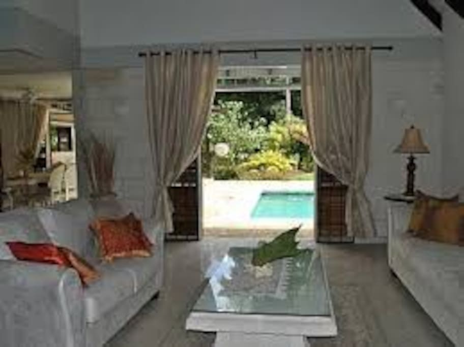 Living room to pool